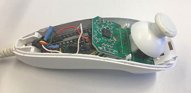 Как я Wii-нунчак к HoloLens подключал, или зачем виртуальным предметам реальные кнопки - 8