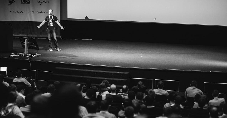 «Лучшее выступление – это история о мучительной борьбе и победе над злом», – Владимир Красильщик о технических докладах - 1