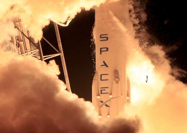 SpaceX допускает версию диверсии в истории со взрывом своей ракеты