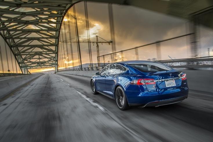 За третий квартал Tesla поставила 24 500 машин
