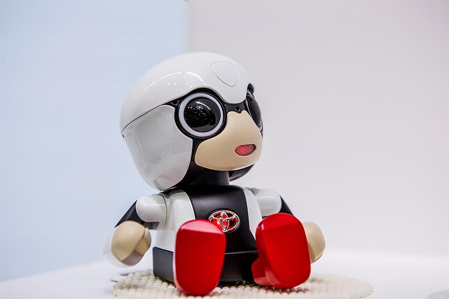 Toyota разработала робота-ребенка для пожилых японцев - 1