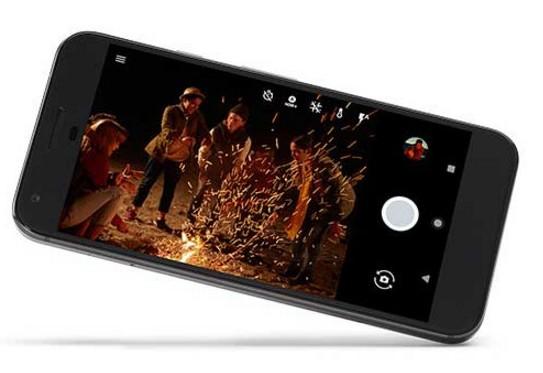 Накануне анонса опубликованы фотографии смартфонов Google Pixel и Pixel XL