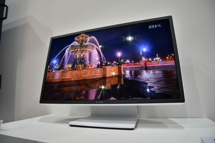 Монитор Sharp разрешением 8K выделяется огромной толщиной и рекордной яркостью
