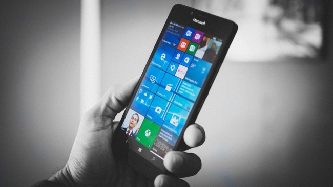 Выход Surface Phone может задержаться до 2018 года