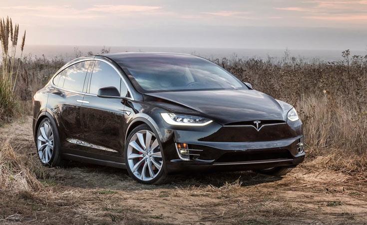 Tesla убирает из каталога кроссовер Model X 60D и собирается через неделю представить новый продукт
