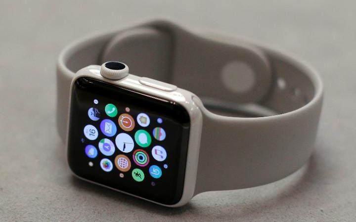 Министры Великобритании боятся прослушки русских посредством Apple Watch