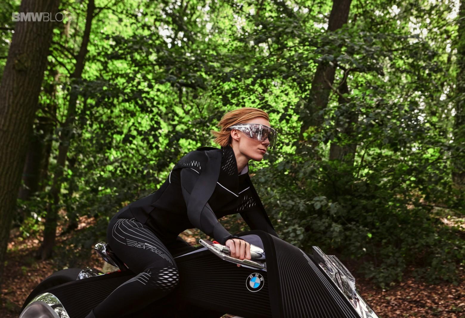 Концепт гибкого мотоцикла BMW Motorrad VISION NEXT 100 - 13