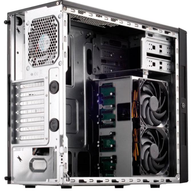 В корпусе SilverStone CS380 также есть два отсека типоразмера 5,25 дюйма