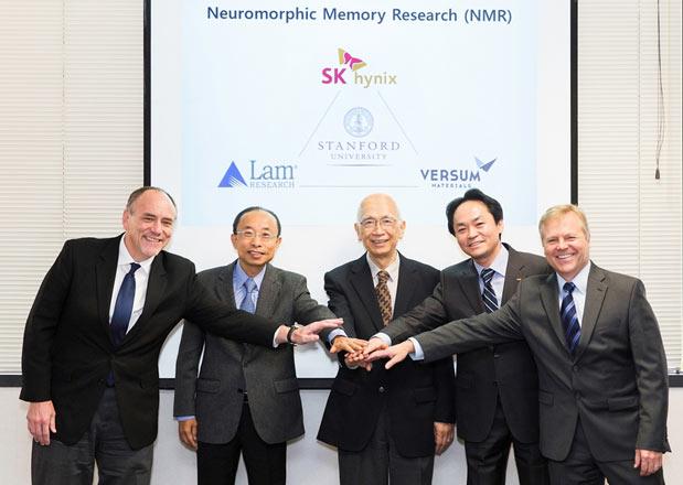Потребность в нейроморфных микросхемах вызвана появлением огромного количества неструктурированных данных