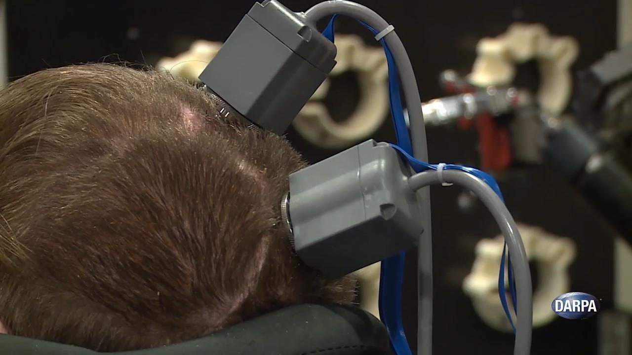 Создан человеческий мозговой имплантат для получения тактильных ощущений от механической руки - 1