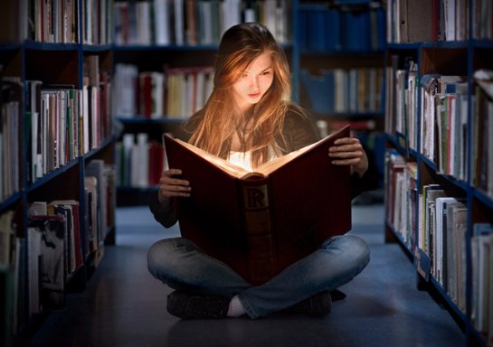 Ученые рассказали, что дает человеку чтение