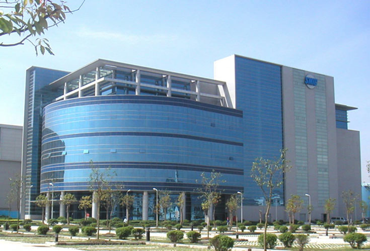 В Шанхае у SMIC уже есть одна 300-миллиметровая фабрика и одна — 200-миллиметровая