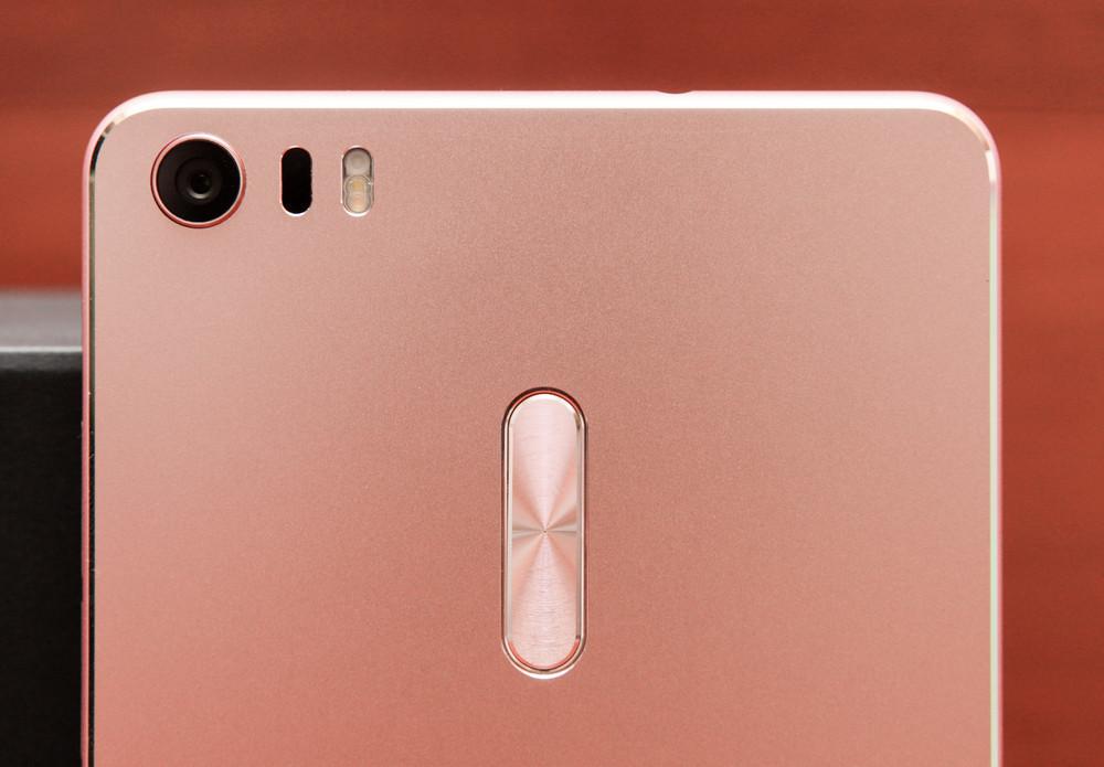 Гигант в руке: обзор смартфона ASUS ZenFone 3 Ultra - 15