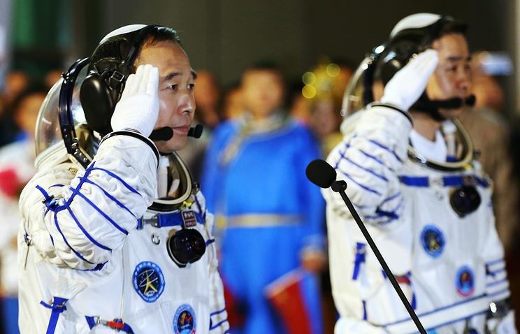 Китай успешно запустил в космос пилотируемый корабль «Шэньчжоу-11». Что дальше? - 2
