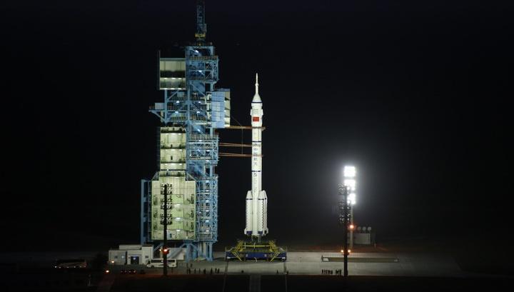 Китай успешно запустил в космос пилотируемый корабль «Шэньчжоу-11». Что дальше? - 1