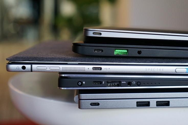 Продажи ноутбуков в годовом выражении продолжают снижаться