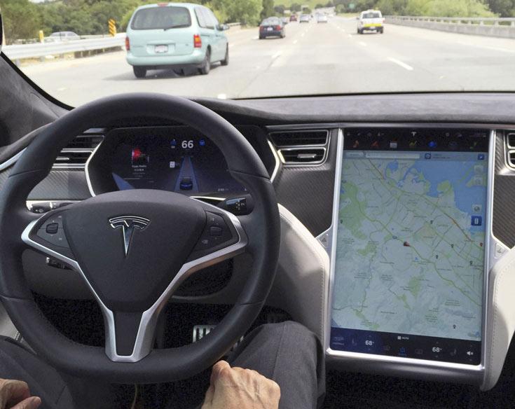 Tesla планирует запуск собственного сервиса такси