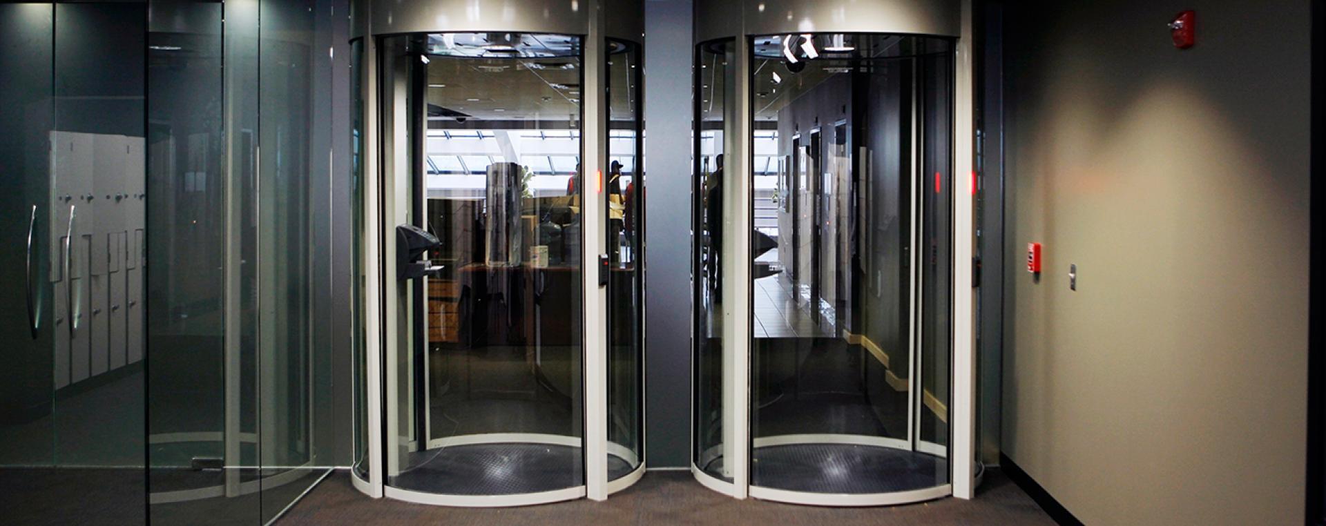 Что такое «ловушка для человека» в дата-центре и зачем она нужна - 2