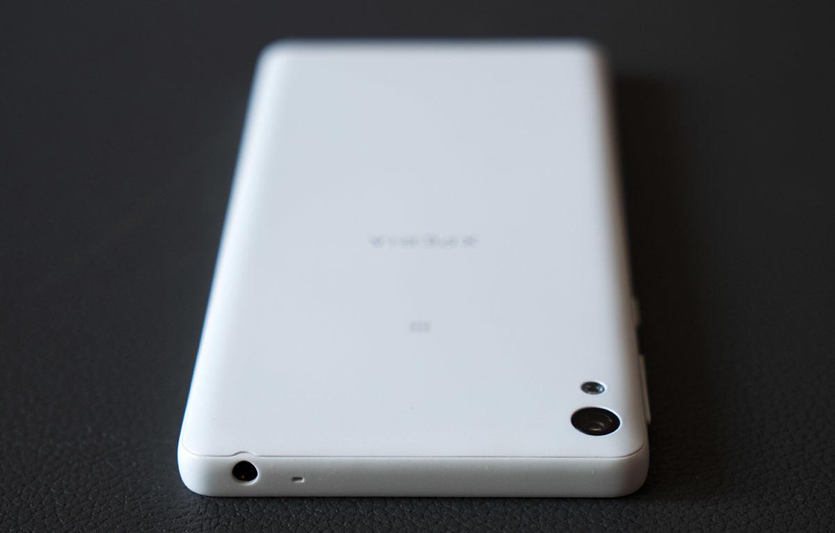Обзор смартфона Sony Xperia E5. Симпатичный и недорогой - 5