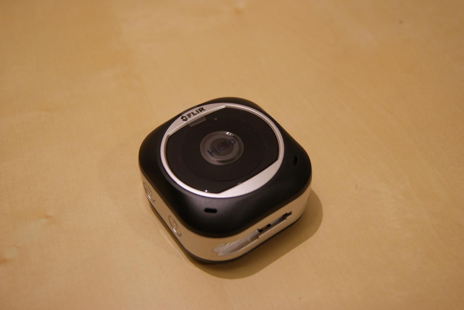 HD-камера наблюдения для дома: FlirFX - 9