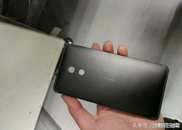 Опубликованы фотографии корпуса цельнометаллического смартфона Nokia