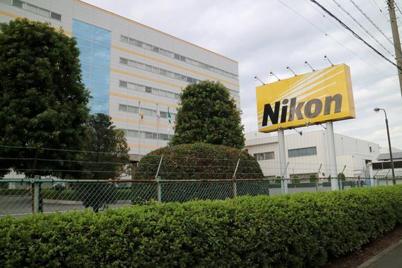 Каждый десятый сотрудник Nikon в Японии будет уволен