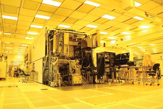 Ведущие производители чипов присматриваются к фотолитографии в глубоком ультрафиолете - 1