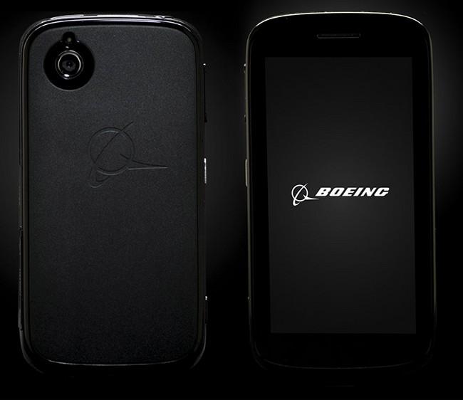 Глава АНБ тестирует защищенный смартфон Boeing Black