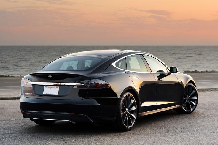 Базовая версия Tesla Model S станет дороже на 2000 долларов