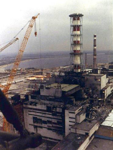 Укрытие-2 надвигают на 4-й энергоблок ЧАЭС - 2