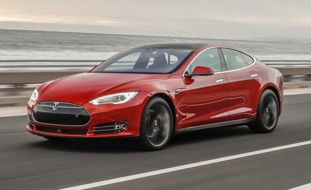 Ускорение электромобиля Tesla Model S P100D будет улучшено при помощи прошивки