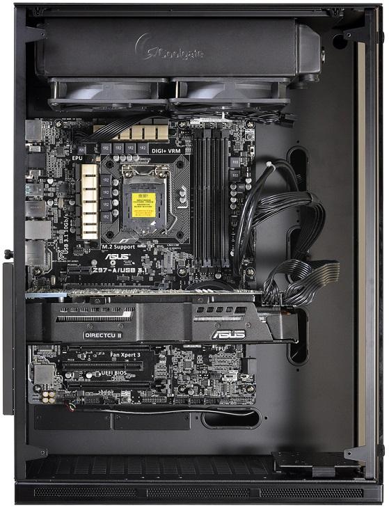 Корпус Lian-Li PC-O10 рассчитан на крупногабаритные системные платы и компактные БП