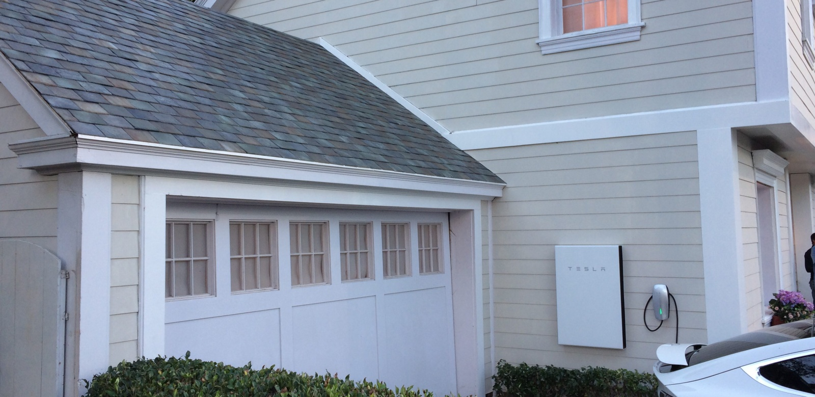 Солнечная крыша Tesla будет дешевле обычной без учёта электрогенерации - 4