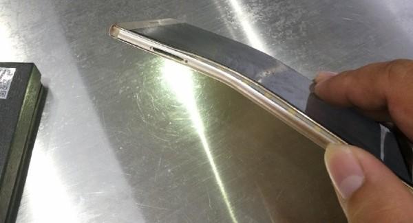 Экран смартфона Huawei Mate 9 гнется, но не трескается