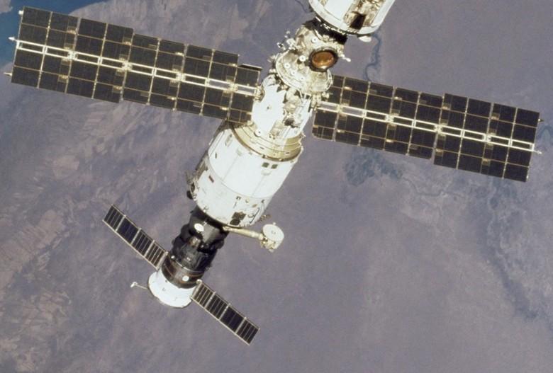 Неудавшиеся космические проекты: сверхтяжеловес, глаз в небесах и космическое общежитие - 9