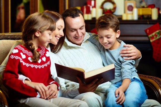 Люди, живущие по семейным традициям более счастливы