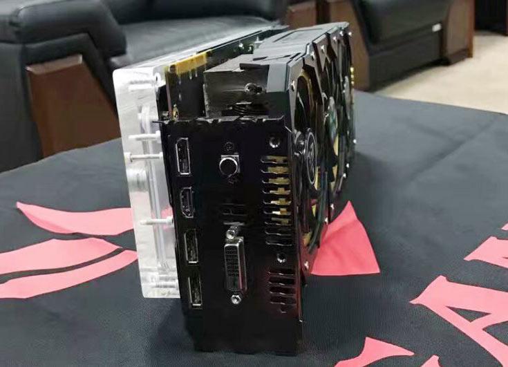 3D-карта Colorful iGame GTX 1080 Kudan оснащена воздушной системой охлаждения и водоблоком