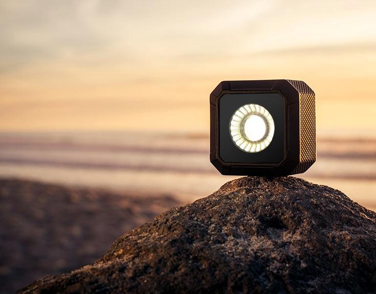 Источник света для съемки Life Lite оснащен интерфейсом Bluetooth