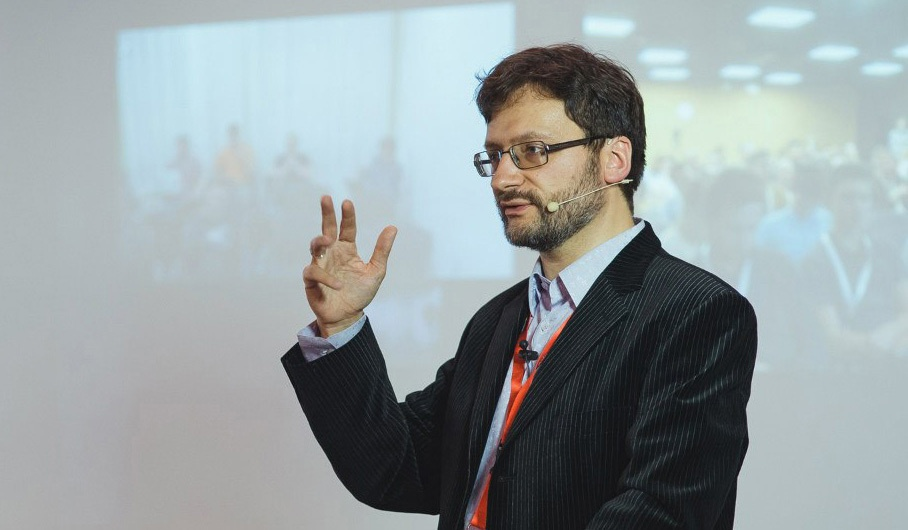 «О вовлечении аудитории в свое выступление люди часто забывают» — интервью с Романом Поборчим, тренером по презентациям - 4