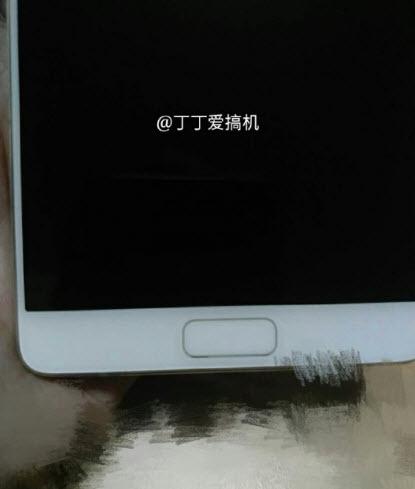 Опубликованы новые фотографии смартфона Zuk Edge