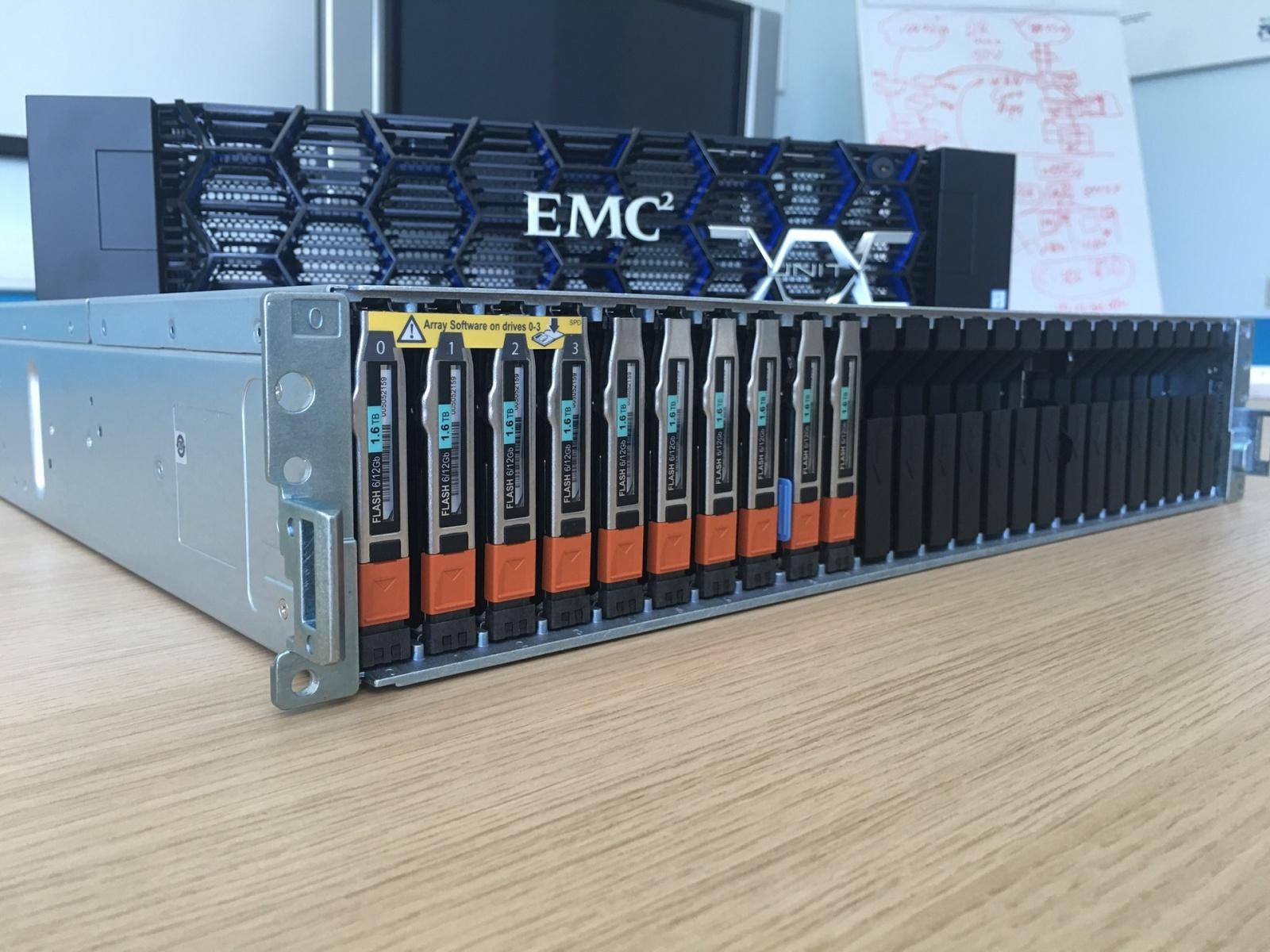 Под капотом у новой поделки Dell + EMC — флешового хранилища по цене дискового - 5