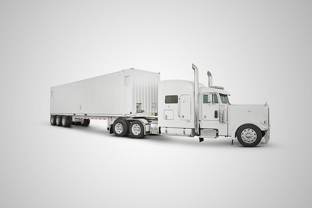 AWS Snowmobile: перевоз петабайт данных в облако на … грузовиках от Amazon - 1