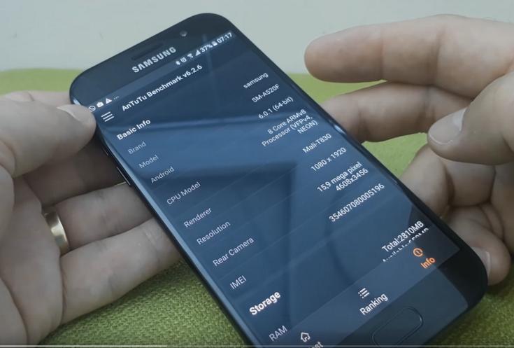 Смартфон Samsung Galaxy A5 очень похож на флагманов