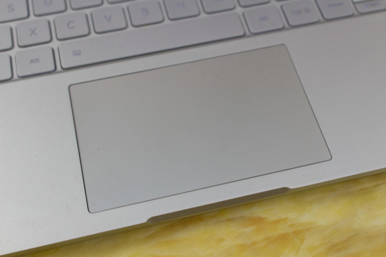 Xiaomi Mi Air 13 Laptop — еще один отличный китайский ноутбук, совершенно непохожий на Macbook - 13