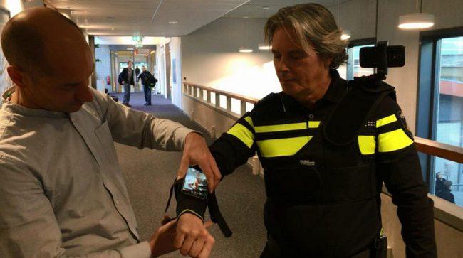 Полиция Нидерландов следом за орлами возьмет на вооружение Microsoft HoloLens