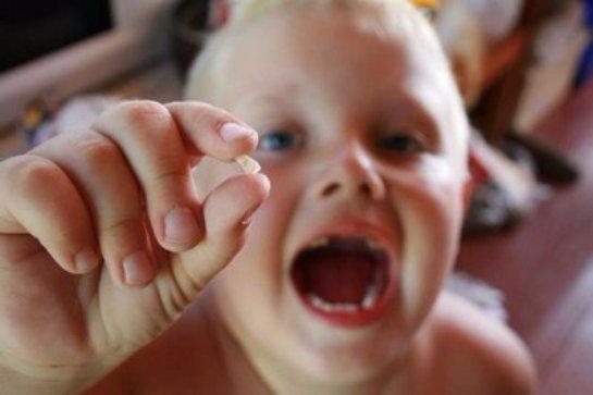 Ученые советуют хранить выпавшие зубы
