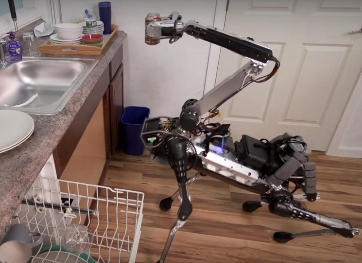 Boston Dynamics предлагает использовать для доставки своего робота SpotMini - 1