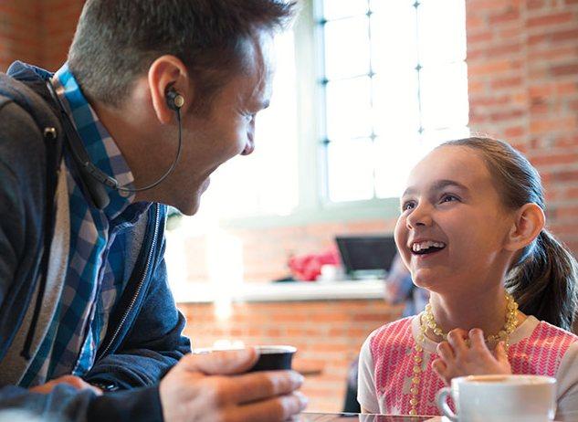 Наушники Bose Hearphones позволят лучше слышать собеседника в шумном месте