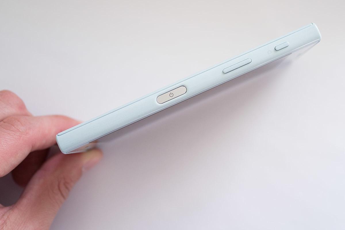 Обзор смартфона Sony Xperia XCompact - 4