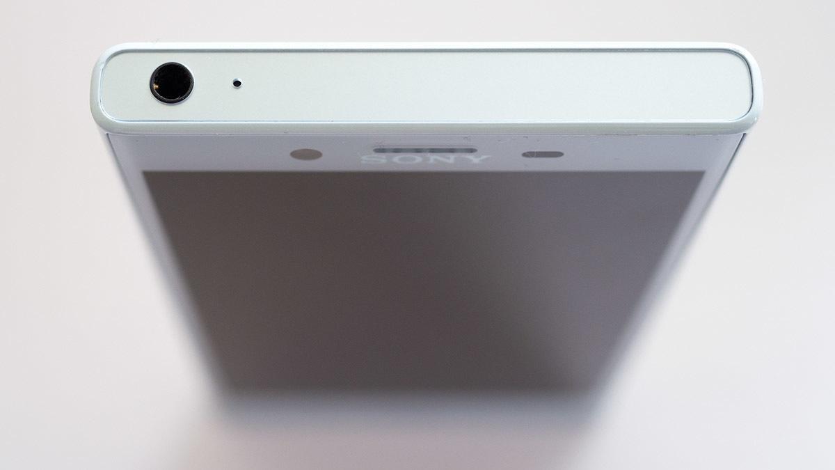 Обзор смартфона Sony Xperia XCompact - 6